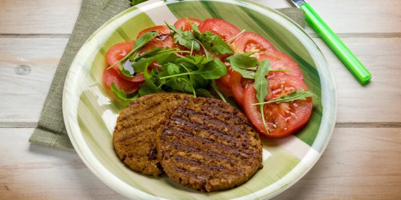 Steak de soja, chips de légumes, smoothie... ces faux amis pas du tout diététiques !
