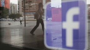 Facebook poursuivi en justice pour ses publicités électorales aux USA