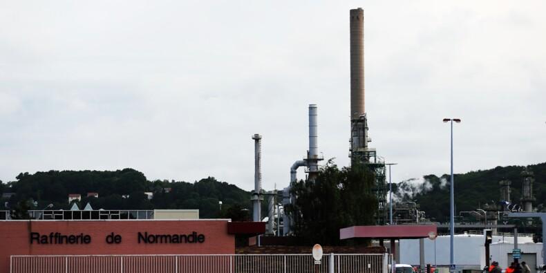 Les agriculteurs démarrent le blocage de raffineries et dépôts de carburants