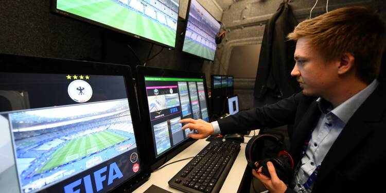 Coupe du Monde : l'arbitrage vidéo dans le foot est-il efficace ?