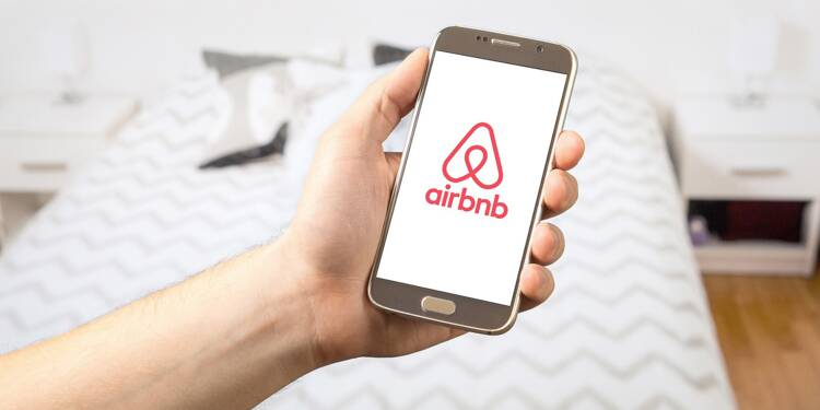 Comment Airbnb tisse inexorablement sa toile