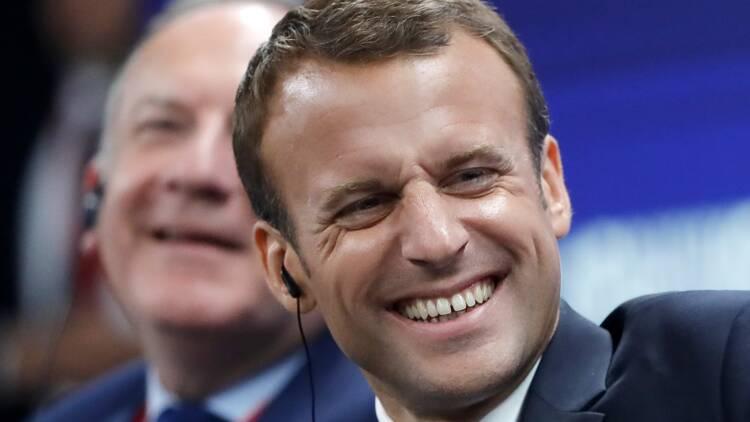 Emmanuel Macron a-t-il raison de vouloir réformer les aides sociales ?
