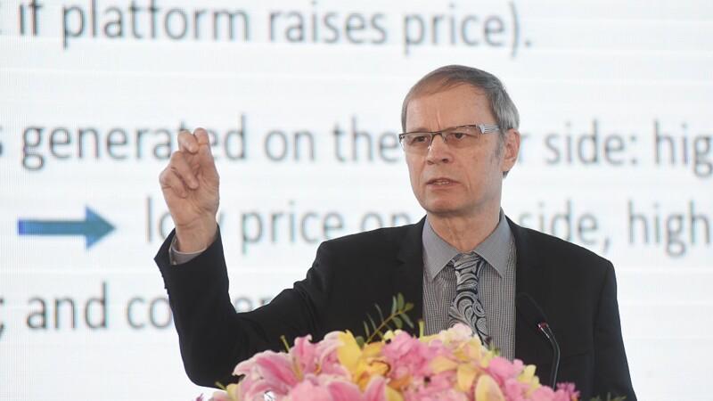 Le Nobel d'économie Jean Tirole passe au crible les réformes de Macron
