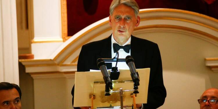 """Philip Hammond: Une guerre commerciale serait un """"désastre"""" pour les USA"""
