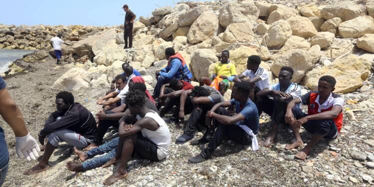 Naufrage au large de la Libye: des rescapés racontent la terreur