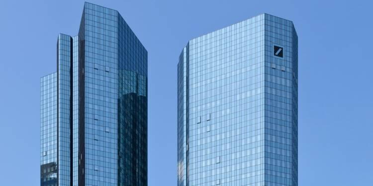 Bientôt expulsée de l'EuroStoxx50, la Deutsche Bank poursuit sa descente aux enfers