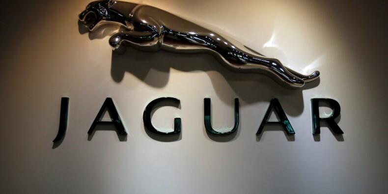 """Jaguar dit qu'un Brexit """"dur"""" menacerait son avenir au Royaume-Uni"""