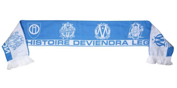 Quand l'OM commercialise une écharpe… avec un slogan du PSG