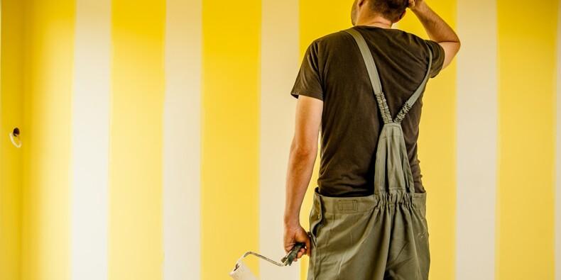 Travaux avec un artisan : vérifiez son assurance et sa solidité financière