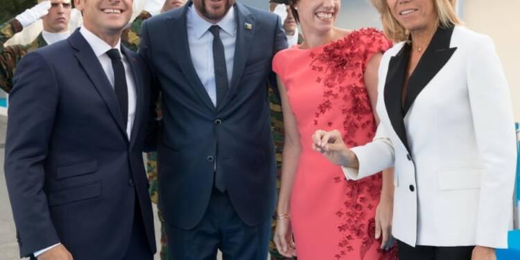 """Macron évoque une """"atmosphère apaisée"""" à l'Otan, insiste sur l'unité"""