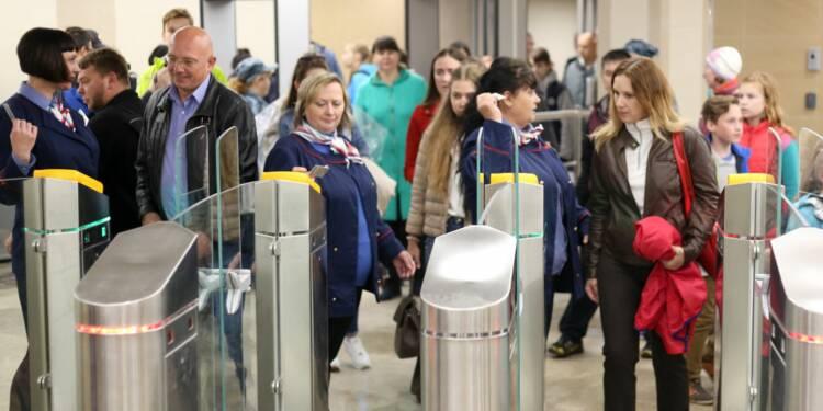 À peine installés, les portiques de la SNCF déraillent