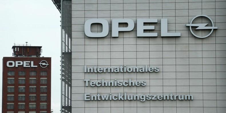 Berlin confirme une enquête sur les émissions d'Opel