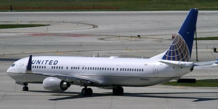 United Airlines se distingue et relève sa prévision de bénéfice