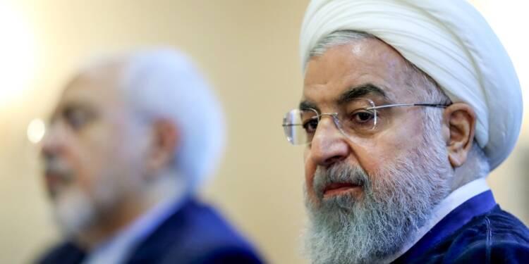 """Rohani juge """"insensé"""" des négociations à l'ombre des sanctions américaines"""