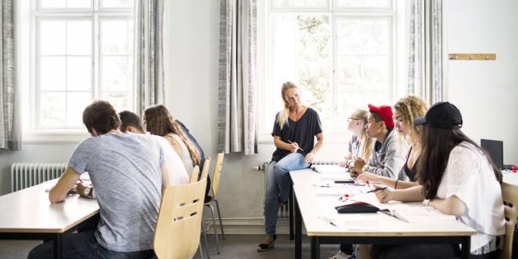 Paris : des porte-clés connectés pour lutter contre l'absentéisme au lycée