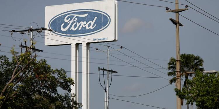 Ford revoit ses prévisions en baisse, souffre en Chine et Europe