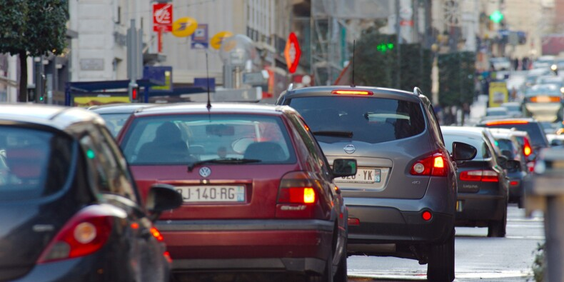 PV, carte grise... l'automobiliste trinque, ces entreprises en font leur beurre