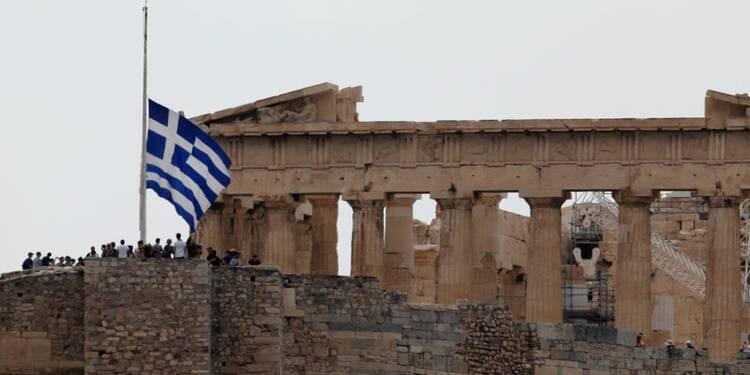 """Fitch Ratings relève la note de la Grèce de """"B"""" à """"BB-"""""""