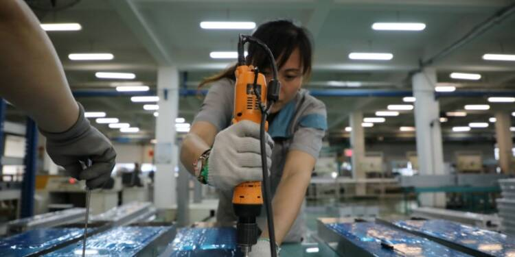 L'économie chinoise ralentit, faiblesse de l'investissement