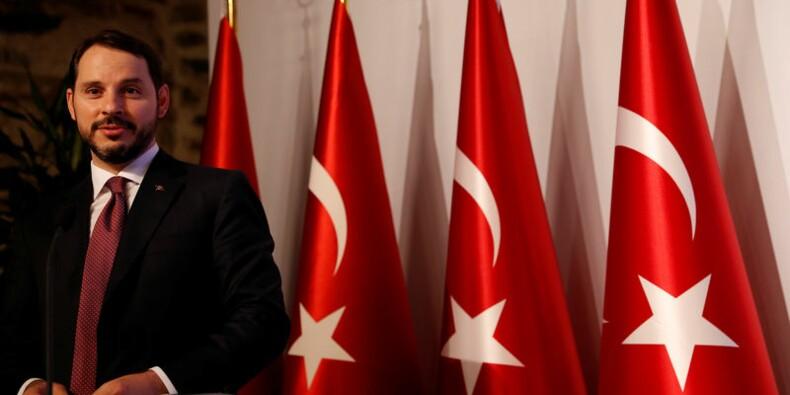 Le ministre turc des Finances tente de rassurer les investisseurs