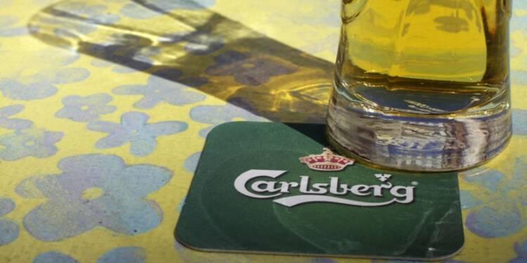 Carlsberg relève son objectif annuel; chiffre d'affaires au 2e trimestre supérieur au consensus