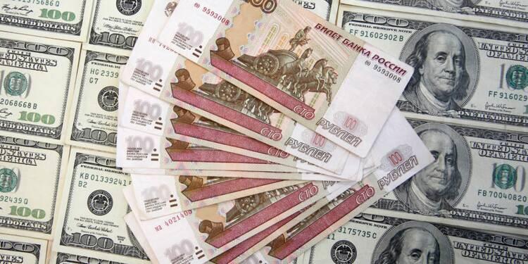 La Russie suspend ses achats de devises étrangères
