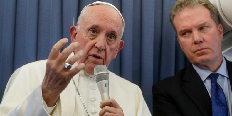 """Enfants homosexuels: les associations LGBT dénoncent des propos """"irresponsables"""" du pape"""