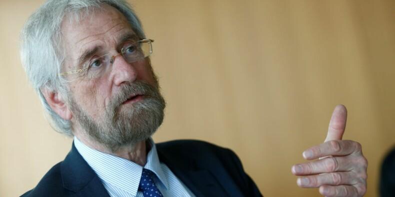 La BCE doit être attentive aux risques liés à sa politique, dit Peter Praet