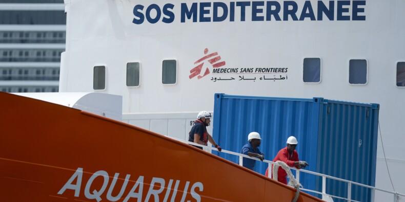 """Migrants: MSF et SOS Méditerranée doivent """"mettre un terme"""" aux activités de l'Aquarius"""