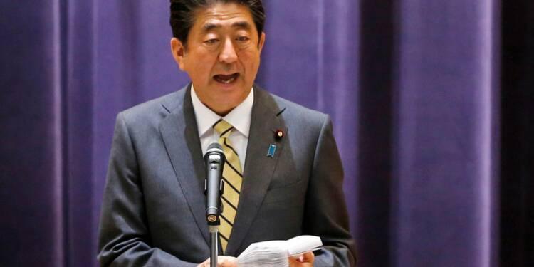 """Japon: Shinzo Abe relèvera la TVA """"par tous les moyens"""""""