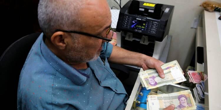 Iran: Le rial poursuit sa chute, à 150.000 contre un dollar