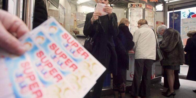 Un salarié vole une énorme somme d'argent à son patron en tickets à gratter