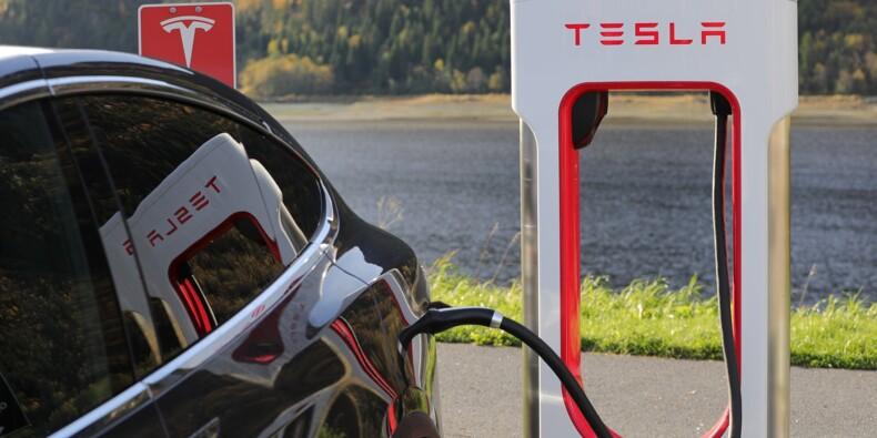 Acheter une Tesla en Bitcoin, c'est possible, annonce Elon Musk, la cryptomonnaie décolle