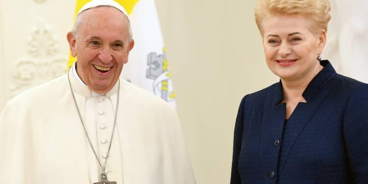 """A Vilnius, le pape critique ceux qui """"expulsent les autres"""" et loue la tolérance des Lituaniens"""
