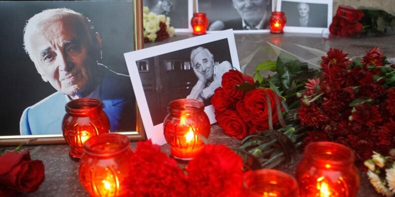 Un bronze d'Aznavour et du champagne Johnny mis aux enchères à Drouot