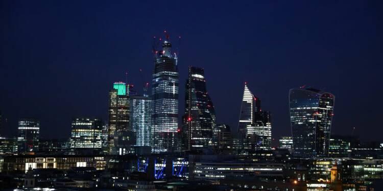 La City perdra 5.000 emplois d'ici le Brexit, estime Londres