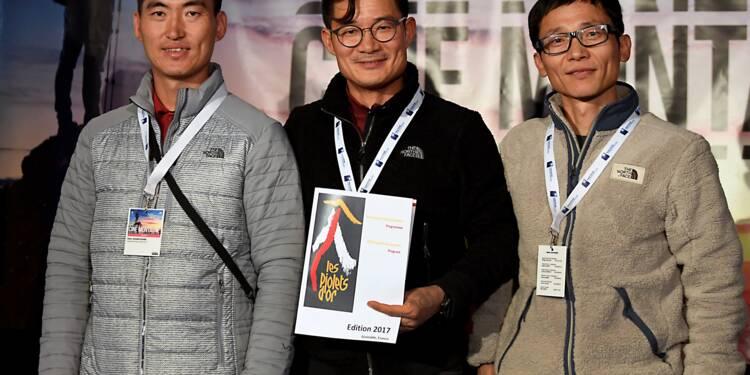 Népal: mission de récupération des corps des neuf alpinistes tués