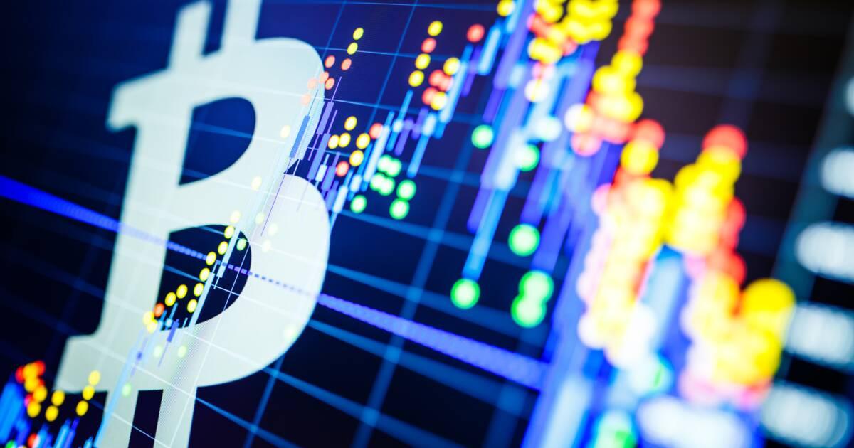 """Beaucoup d'observateurs estiment que les cours du Bitcoin sont manipulés par certains gros porteurs que l'on surnomme """"baleines"""". Or, une récente étude de Chainalysis tord le cou à cette rumeur., À chaque"""