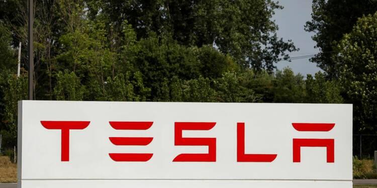 Musk rachètera pour 20 millions de dollars de titres Tesla