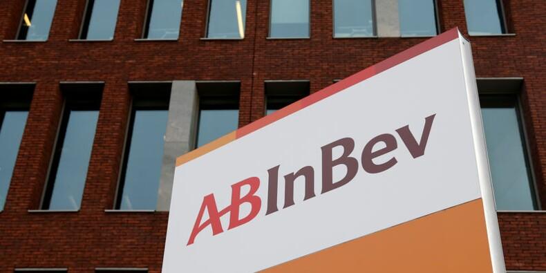 AB InBev réduit de moitié son dividende, le titre chute