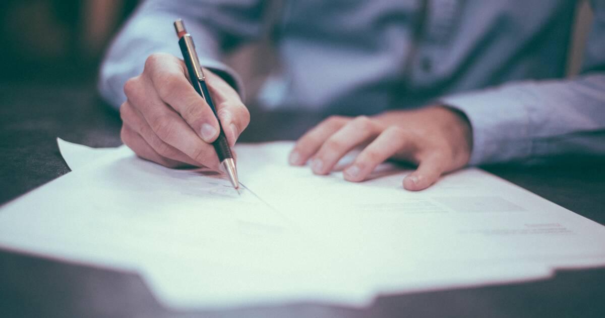 De quel délai dispose un salarié en CDD pour demander la requalification de son contrat en CDI ?