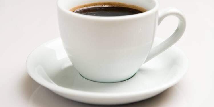 Les tasses à café à 1.200 dollars de l'armée de l'air américaine