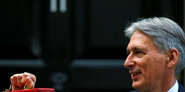 Grande-Bretagne: Le déficit revu en baisse, Hammond promet la fin de l'austérité