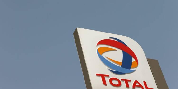 Total et Eni signent un contrat d'exploration pétrolière en Algérie