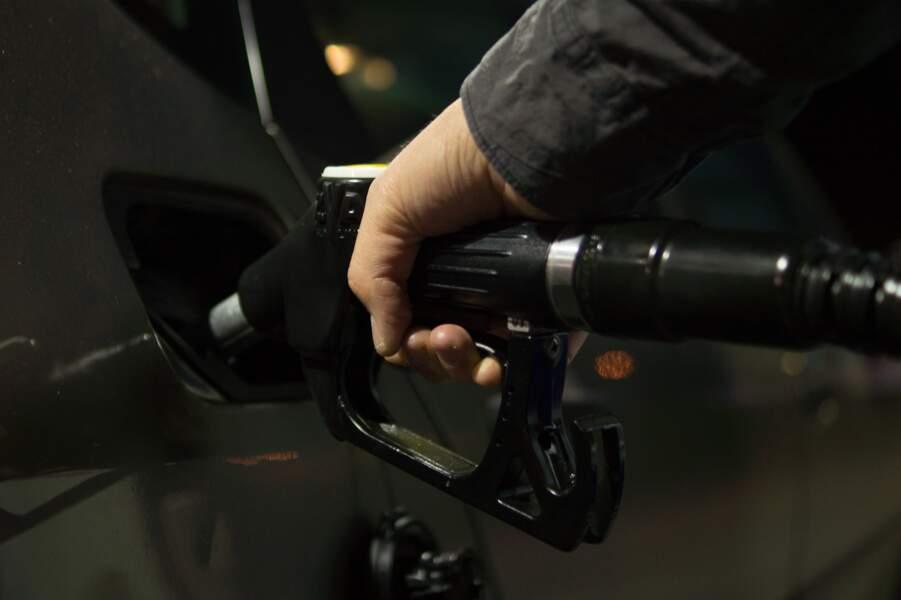 Où trouver le plein d'essence le moins cher près de chez vous ?