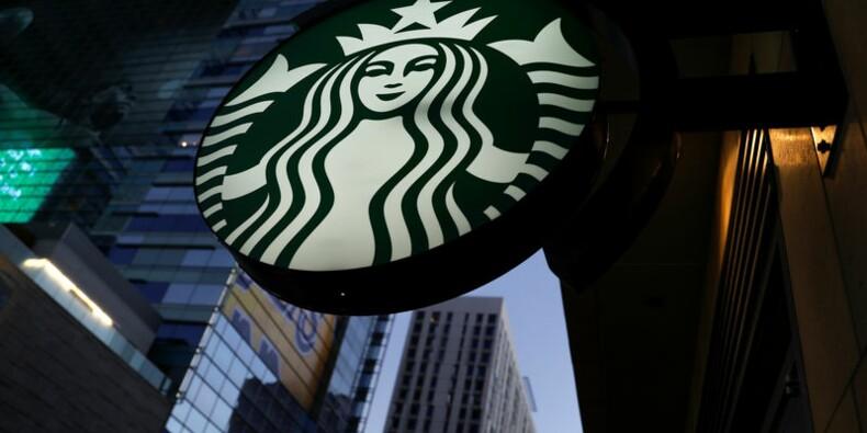 Starbucks rassure avec ses ventes, le titre grimpe