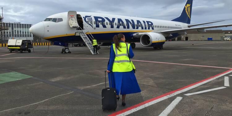 Ryanair licencie ses employés qui avaient dû dormir par terre
