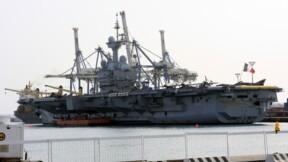 Le porte-avions Charles-de-Gaulle enfin rénové, au prix fort
