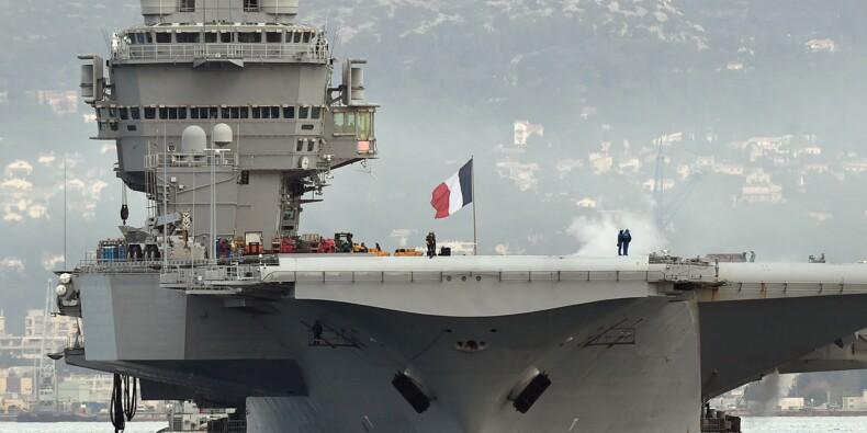 Macron sur le porte-avions Charles de Gaulle… en attendant son successeur