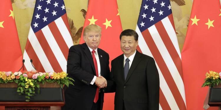 Le président Donald Trump et le président chinois Xi Jinping au palais de l'Assemblée du Peuple à Beijing, en Chine, le 9 novembre 2017.